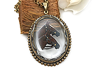ПредПОСЛЕДНИЙ Кулон «Пара Лошадей (винтажное intaglio)» - V384